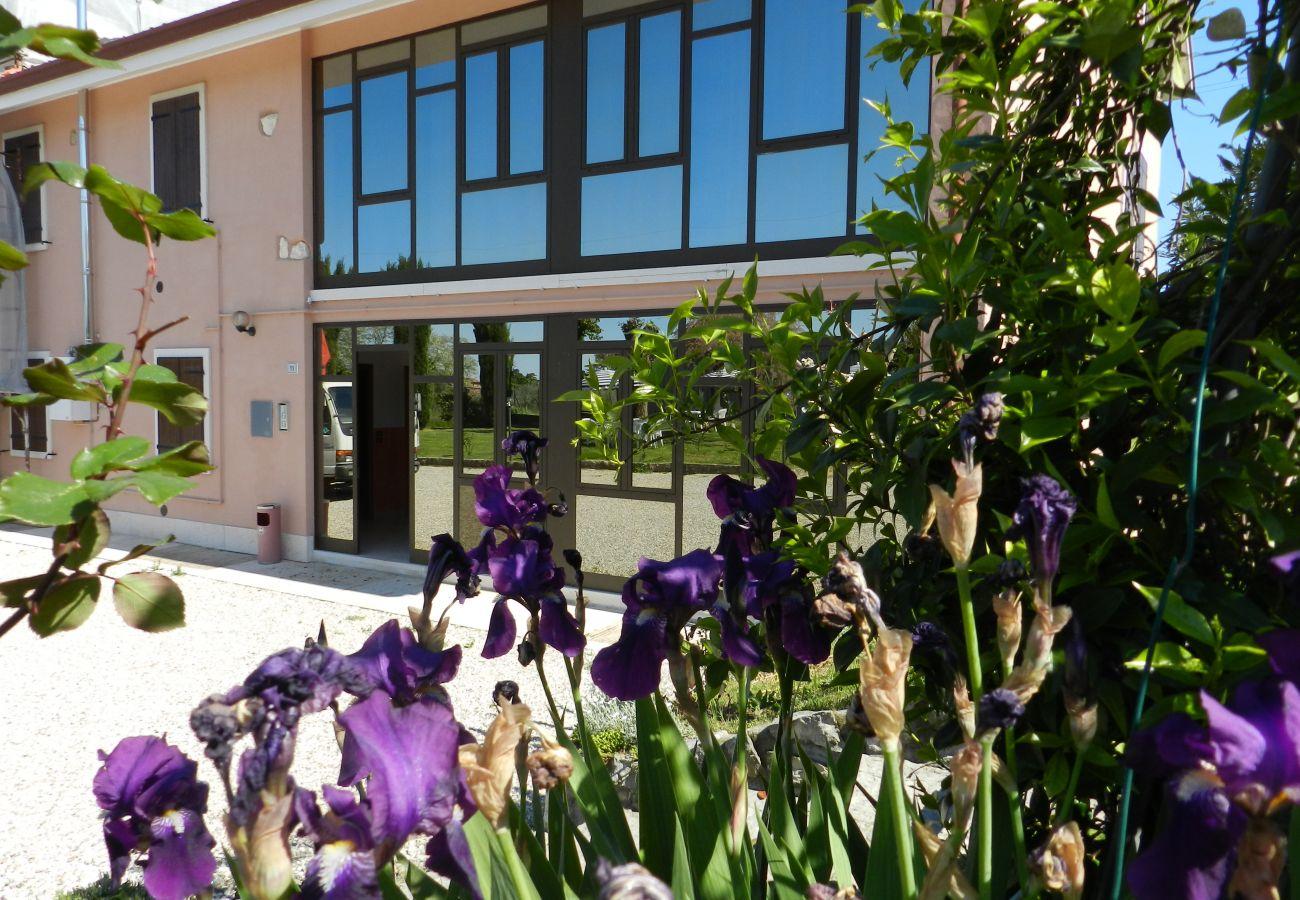 Appartamento a Lazise - Regarda - trilocale Rosa Canina 8 con ingresso al campeggio Park delle Rose