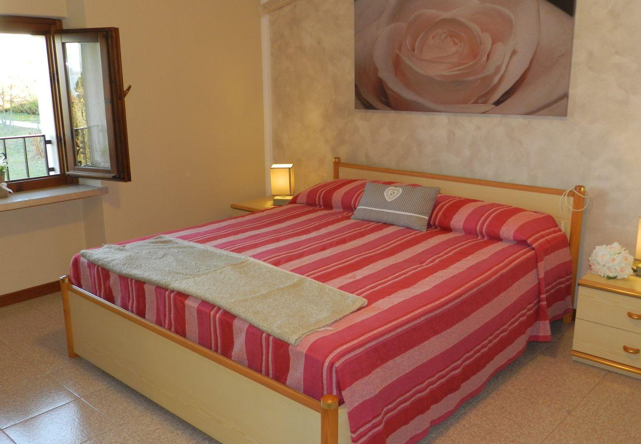 Apartment in Lazise - THREE ROOMS APARTMENT